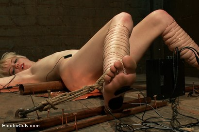 Photo number 8 from Cumming By Copper shot for Electro Sluts on Kink.com. Featuring Alani Pi and Bobbi Starr in hardcore BDSM & Fetish porn.