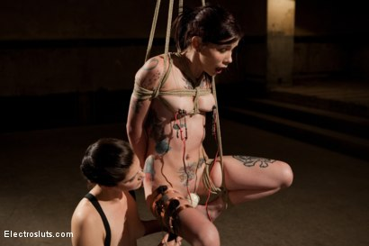 Krysta Suspends Herself from the Shocks of Electrosex