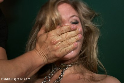 Photo number 4 from Smoking Hot Blonde Bubble Butt Babe gets Fucked by Nacho Vidal in HARDCORE Public Scene shot for Public Disgrace on Kink.com. Featuring Chastity Lynn, Nacho Vidal and Princess Donna Dolore in hardcore BDSM & Fetish porn.