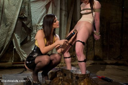 Photo number 5 from AnnaBelle Lee is an Electroslut! shot for Electro Sluts on Kink.com. Featuring AnnaBelle Lee and Bobbi Starr in hardcore BDSM & Fetish porn.