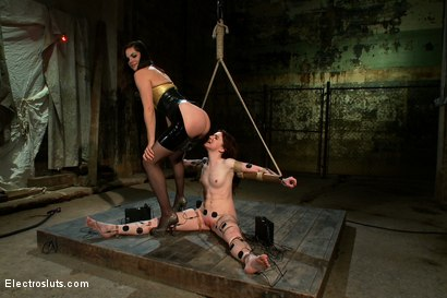 Photo number 15 from AnnaBelle Experiences the Power of Copper shot for Electro Sluts on Kink.com. Featuring AnnaBelle Lee and Bobbi Starr in hardcore BDSM & Fetish porn.