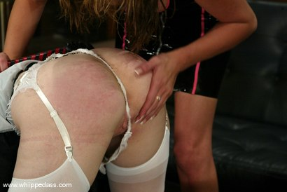 Photo number 5 from Darling and Audrey Leigh shot for Whipped Ass on Kink.com. Featuring Dee Williams and Audrey Leigh in hardcore BDSM & Fetish porn.