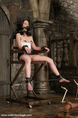 Photo number 2 from Nicolette shot for Water Bondage on Kink.com. Featuring Nicolette in hardcore BDSM & Fetish porn.
