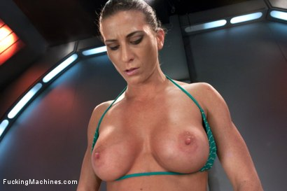 Photo number 4 from TRIPLE PENETRATION MUSCLE BABE: Ariel X Flexing Her Pussy Power shot for Fucking Machines on Kink.com. Featuring Ariel X in hardcore BDSM & Fetish porn.