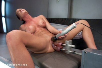 Photo number 8 from TRIPLE PENETRATION MUSCLE BABE: Ariel X Flexing Her Pussy Power shot for Fucking Machines on Kink.com. Featuring Ariel X in hardcore BDSM & Fetish porn.