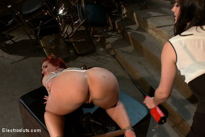 Photo number 8 from Kelly Divine VS Stanley shot for Electro Sluts on Kink.com. Featuring Kelly Divine and Bobbi Starr in hardcore BDSM & Fetish porn.