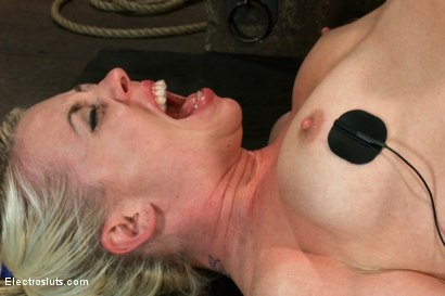 Photo number 13 from An Upside down Electrosex Predicament shot for Electro Sluts on Kink.com. Featuring Lorelei Lee and Bobbi Starr in hardcore BDSM & Fetish porn.