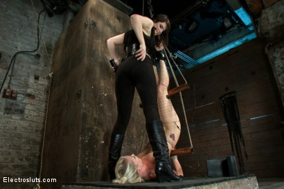 Photo number 14 from An Upside down Electrosex Predicament shot for Electro Sluts on Kink.com. Featuring Lorelei Lee and Bobbi Starr in hardcore BDSM & Fetish porn.