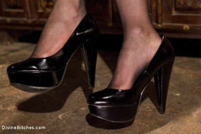 Photo number 1 from Maitresse Madeline's POV foot fetish teaser BONUS! shot for Divine Bitches on Kink.com. Featuring Maitresse Madeline Marlowe in hardcore BDSM & Fetish porn.