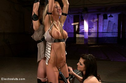 Photo number 14 from Fears of Electrosex shot for Electro Sluts on Kink.com. Featuring Amber Rayne, Kaylee Hilton and Bobbi Starr in hardcore BDSM & Fetish porn.