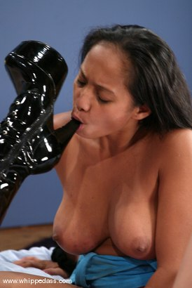 Photo number 4 from Phoenix and Loni shot for Whipped Ass on Kink.com. Featuring Loni and Phoenix in hardcore BDSM & Fetish porn.