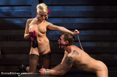 Photo number 6 from The Ultimate Tease, Lorelei Lee shot for Divine Bitches on Kink.com. Featuring Trent Diesel and Lorelei Lee in hardcore BDSM & Fetish porn.