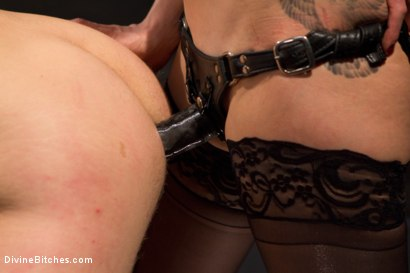 Photo number 8 from The Ultimate Tease, Lorelei Lee shot for Divine Bitches on Kink.com. Featuring Trent Diesel and Lorelei Lee in hardcore BDSM & Fetish porn.