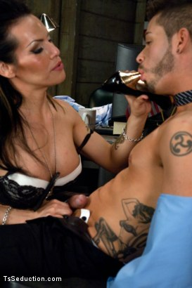 Photo number 4 from Freedom Cock: Kiss Your Citizenship shot for TS Seduction on Kink.com. Featuring TS Foxxy and Turk Mason in hardcore BDSM & Fetish porn.