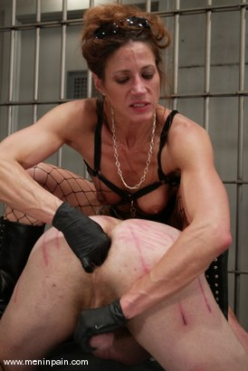 Photo number 9 from Kym Wilde and Slave shot for Men In Pain on Kink.com. Featuring Kym Wilde and Slave in hardcore BDSM & Fetish porn.