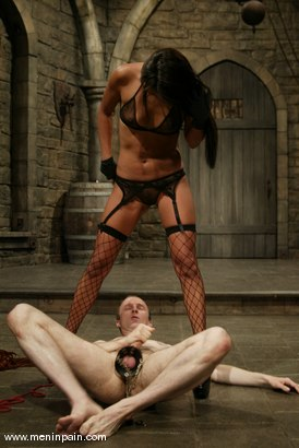Photo number 7 from John and Lucy Lee shot for Men In Pain on Kink.com. Featuring Lucy Lee and John in hardcore BDSM & Fetish porn.