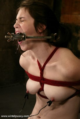 Photo number 4 from Faith Leon shot for Wired Pussy on Kink.com. Featuring Faith Leon in hardcore BDSM & Fetish porn.