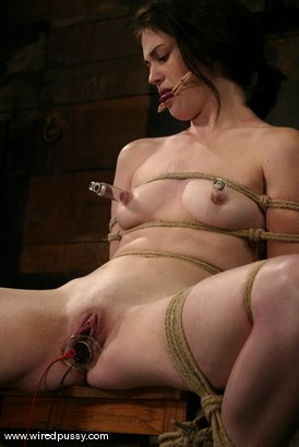 Photo number 8 from Faith Leon shot for Wired Pussy on Kink.com. Featuring Faith Leon in hardcore BDSM & Fetish porn.