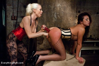Photo number 4 from Anal Sluts: Mia Lelani and Lorelei shot for Everything Butt on Kink.com. Featuring Mia Lelani, Lorelei Lee and Mark Wood in hardcore BDSM & Fetish porn.