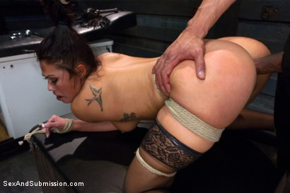 Photo number 11 from Punished Masseuse shot for Sex And Submission on Kink.com. Featuring London Keyes and Karlo Karrera in hardcore BDSM & Fetish porn.