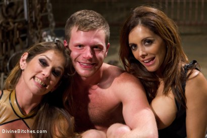 Photo number 9 from New Meat, New Challenges, Divine Satisfaction shot for Divine Bitches on Kink.com. Featuring Francesca Le , Felony and Brian Bonds in hardcore BDSM & Fetish porn.