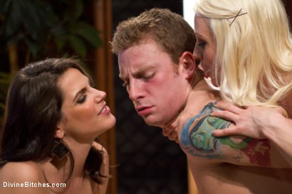 Photo number 4 from Cuckold Surprise! shot for Divine Bitches on Kink.com. Featuring Lorelei Lee, Bobbi Starr, Shaun Diesel  and Sebastian Keys in hardcore BDSM & Fetish porn.