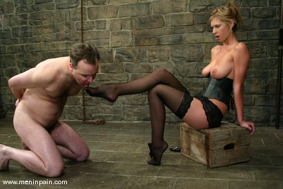 Photo number 7 from Miss Brooke and Andy Mann shot for Men In Pain on Kink.com. Featuring Brooke Banner and Andy Mann in hardcore BDSM & Fetish porn.