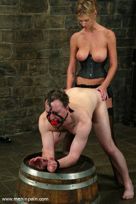 Photo number 14 from Miss Brooke and Andy Mann shot for Men In Pain on Kink.com. Featuring Brooke Banner and Andy Mann in hardcore BDSM & Fetish porn.