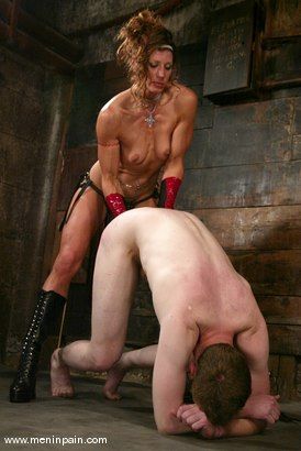 Photo number 13 from Gavin and Kym Wilde shot for Men In Pain on Kink.com. Featuring Gavin and Kym Wilde in hardcore BDSM & Fetish porn.