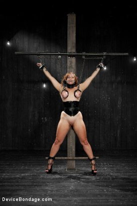 Photo number 10 from Bella Rossi - Captured Cunt shot for Device Bondage on Kink.com. Featuring Bella Rossi in hardcore BDSM & Fetish porn.