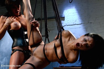Photo number 14 from Electro-Fucked in Side Suspension shot for Electro Sluts on Kink.com. Featuring Skin Diamond and Gia DiMarco in hardcore BDSM & Fetish porn.