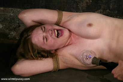 Photo number 13 from Star shot for Wired Pussy on Kink.com. Featuring Star in hardcore BDSM & Fetish porn.