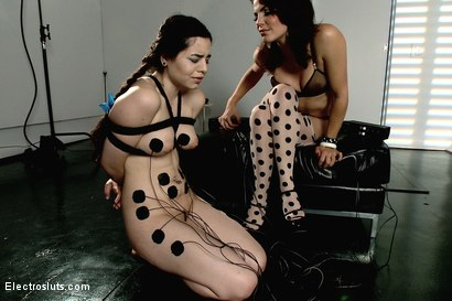 Photo number 14 from Naidyne is the 19 year Electroslut next door shot for Electro Sluts on Kink.com. Featuring Bobbi Starr and Naidyne in hardcore BDSM & Fetish porn.