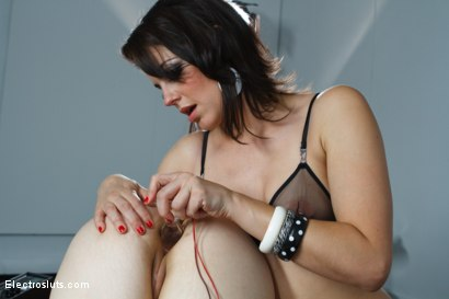 Photo number 9 from Fresh Faced 19 Year Old Takes an Electrifying Ass Stretching! shot for Electro Sluts on Kink.com. Featuring Bobbi Starr and Naidyne in hardcore BDSM & Fetish porn.