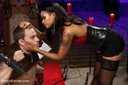 Photo number 5 from Her Highness Queen Of Diamonds: Skin Diamond shot for Divine Bitches on Kink.com. Featuring Skin Diamond and Sebastian Keys in hardcore BDSM & Fetish porn.