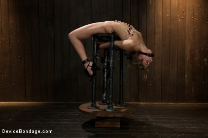 Photo number 4 from Chastity Lynn - Cum Begging Cunt - Live Show Part 3 shot for Device Bondage on Kink.com. Featuring Chastity Lynn in hardcore BDSM & Fetish porn.