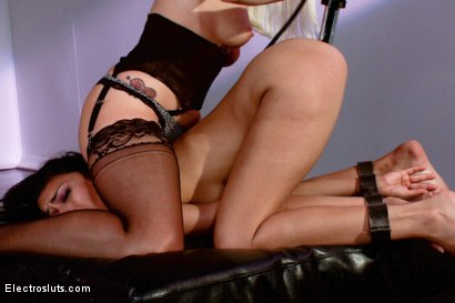 Photo number 12 from Beretta James gets her Asshole Shocked and her Pussy Fisted shot for Electro Sluts on Kink.com. Featuring Lorelei Lee and Beretta James in hardcore BDSM & Fetish porn.