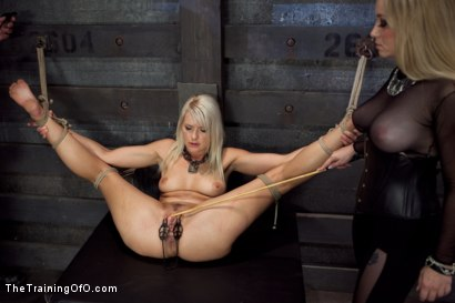 Photo number 13 from Opening up Anikka Albrite: Day Two shot for The Training Of O on Kink.com. Featuring Anikka Albrite and Aiden Starr in hardcore BDSM & Fetish porn.