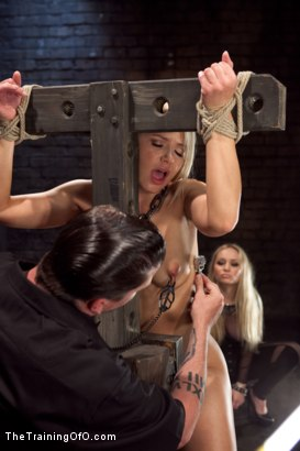 Photo number 2 from Opening up Anikka Albrite: Day Two shot for The Training Of O on Kink.com. Featuring Anikka Albrite and Aiden Starr in hardcore BDSM & Fetish porn.