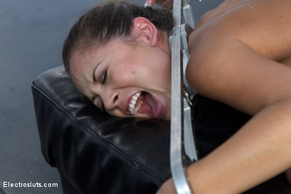Photo number 5 from Little Electroslut gets an Electro DP shot for Electro Sluts on Kink.com. Featuring Kristina Rose and Gia DiMarco in hardcore BDSM & Fetish porn.