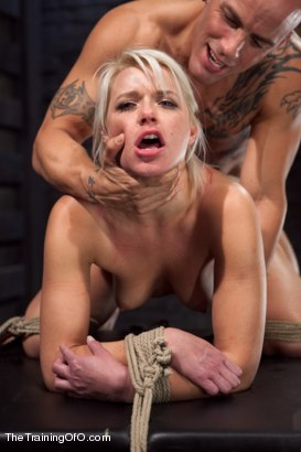 Photo number 10 from Training Anikka Albrite, Day 4 shot for The Training Of O on Kink.com. Featuring Derrick Pierce and Anikka Albrite in hardcore BDSM & Fetish porn.