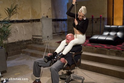 Photo number 4 from Your Cock Puts You At a Disadvantage In My Dungeon shot for Divine Bitches on Kink.com. Featuring Lorelei Lee and Chad Rock in hardcore BDSM & Fetish porn.