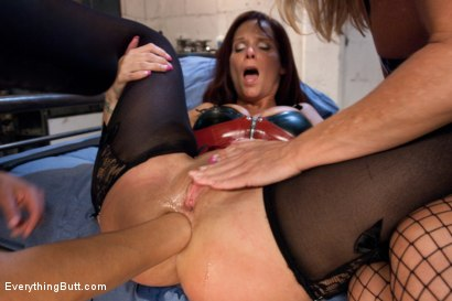 Photo number 5 from Magnificent MILF's shot for Everything Butt on Kink.com. Featuring Francesca Le, Simone Sonay and Syren de Mer in hardcore BDSM & Fetish porn.