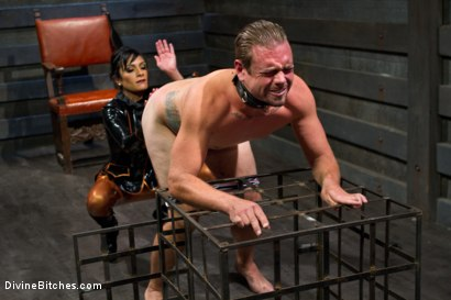 Photo number 1 from Worshipping Beretta James shot for Divine Bitches on Kink.com. Featuring Beretta James and John Jammen in hardcore BDSM & Fetish porn.