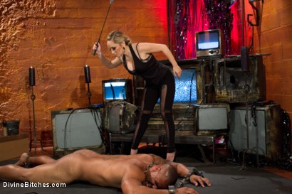 Photo number 15 from Not A Dry Cunt In The House: Episode 2 shot for Divine Bitches on Kink.com. Featuring Robert Axel and Aiden Starr in hardcore BDSM & Fetish porn.