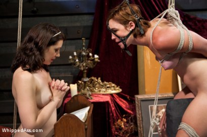 Photo number 4 from Sins Of The Flesh shot for Whipped Ass on Kink.com. Featuring Sarah Shevon, Jodi Taylor and Felony in hardcore BDSM & Fetish porn.
