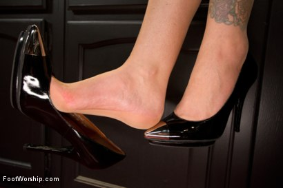 Photo number 11 from Forbidden Cougar Foot Fetish Featuring Julia Ann! shot for Foot Worship on Kink.com. Featuring Julia Ann and Logan Pierce in hardcore BDSM & Fetish porn.