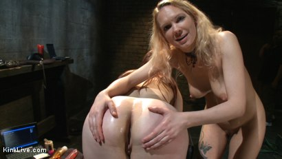 Photo number 15 from Jessie and Bella Play Dirty Pt II shot for Kink Live on Kink.com. Featuring Bella Rossi and Jessie Cox in hardcore BDSM & Fetish porn.