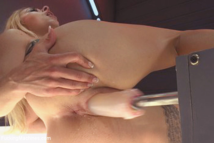 Amateur Young Girl Sucking Cock On Her Knees