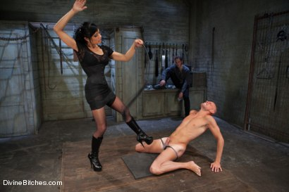 Photo number 14 from A Cuckold's Reality shot for Divine Bitches on Kink.com. Featuring Beretta James, Sean Spurt and Wolf Hudson in hardcore BDSM & Fetish porn.